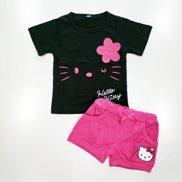 Σετ κοντό παντελονάκι - κοντομάνικο μπλουζάκι με στάμπα και σχέδιο 'Hello Kitty' και λουλούδι, μαύρο - ροζ