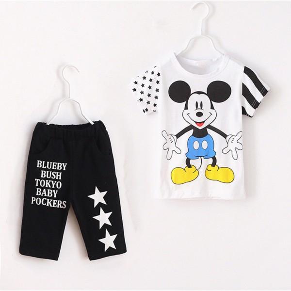 Σετ παντελόνι κάπρι - κοντομάνικο μπλουζάκι με στάμπα Μίκυ και αστέρια, λευκό - μαύρο